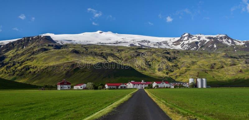 De beruchte Eyjafjallajokull-vulkaan, Zuid-IJsland stock afbeelding