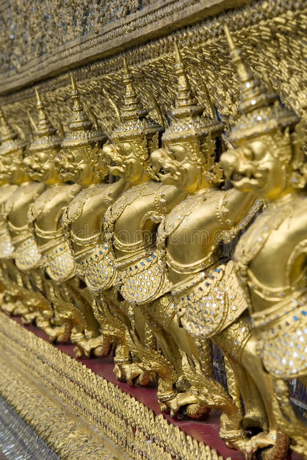 De Beschermers van de Tempel van Phra Kaeo van Wat, Bangkok, Thailand. stock afbeeldingen