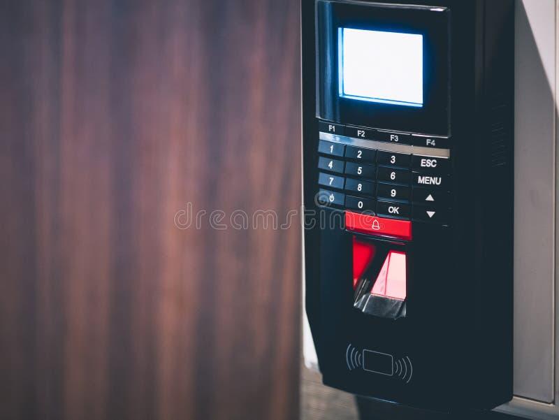 De Bescherming van het het Veiligheidssysteemwachtwoord van het vingerafdrukaftasten royalty-vrije stock foto's