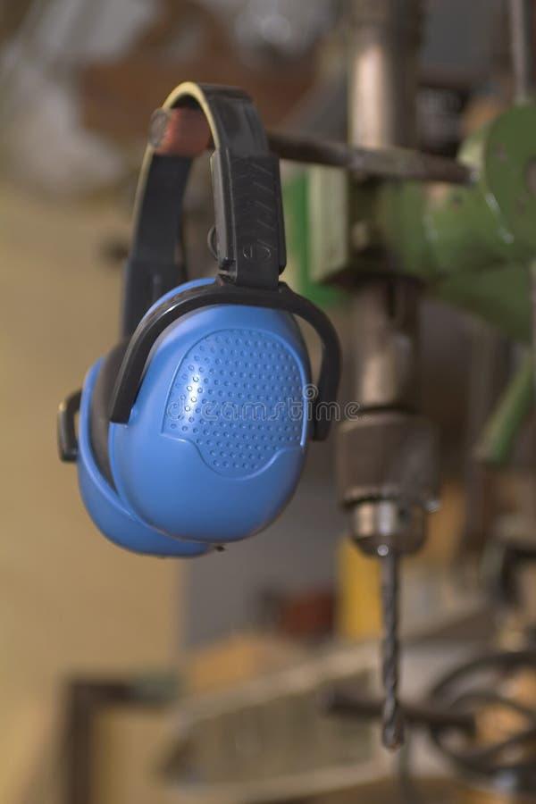 De bescherming van het oor stock foto