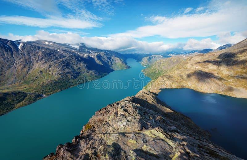 De Besseggen-Rand in Jotunheimen Noorwegen stock afbeeldingen