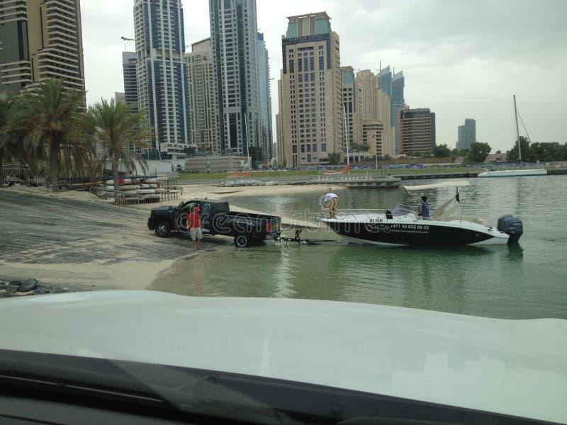 De bestelwagen van de de bootzondag van Doubai stock afbeelding