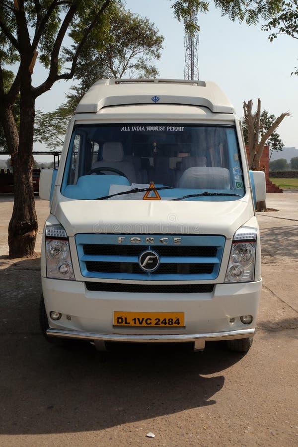 De bestelwagen van de luxetoerist in Jaipur royalty-vrije stock afbeelding