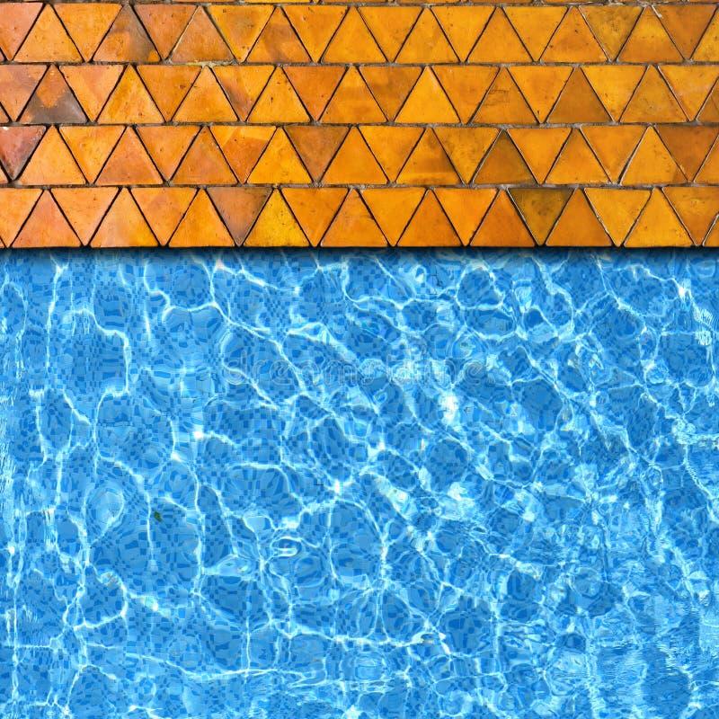 De bestrating van de driehoek met pool stock afbeeldingen