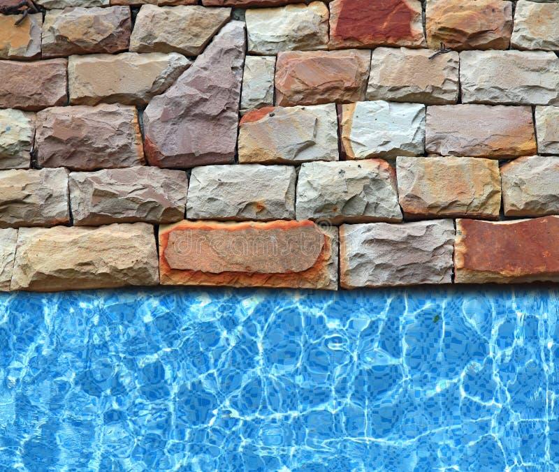 De bestrating van de steen met pool stock fotografie