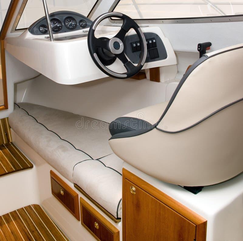 De bestuurderszetel van de boot stock foto