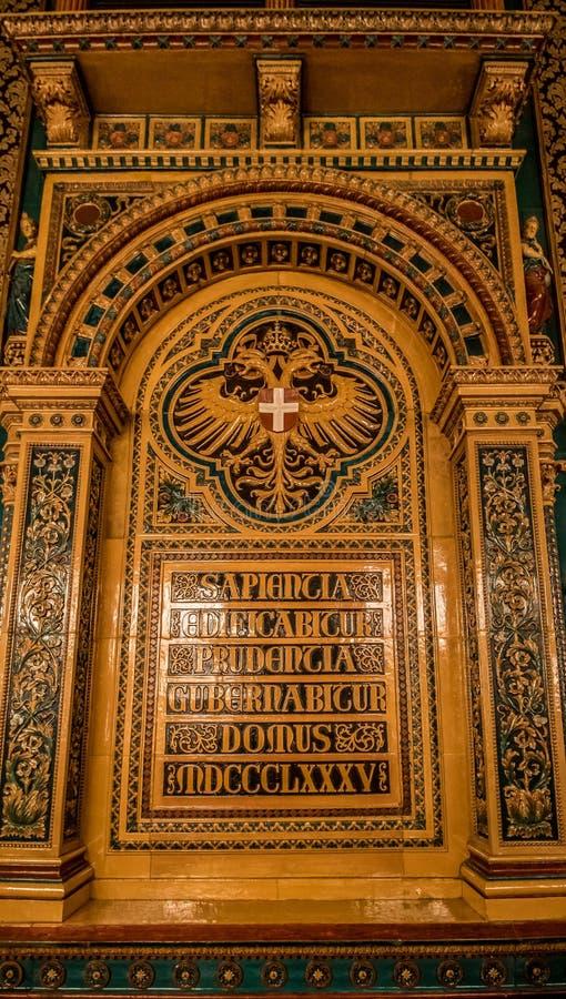 De Bestuurskamer van de stadssenaat in het Stadhuis van Wenen, Oostenrijk royalty-vrije stock afbeeldingen