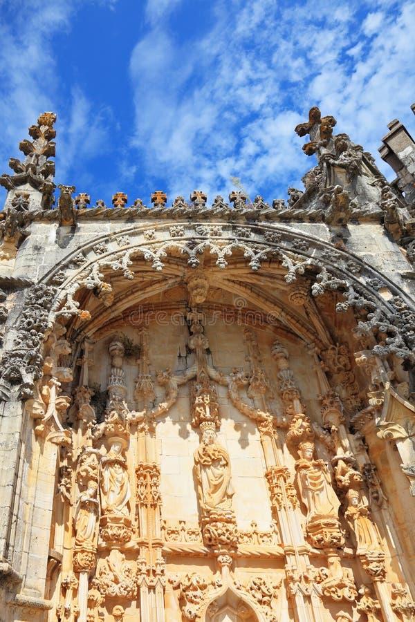 De bevarade väggarna som dekoreras med bröstvärn royaltyfri bild