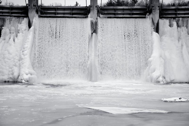 De bevroren daling van het waterijs stock afbeeldingen