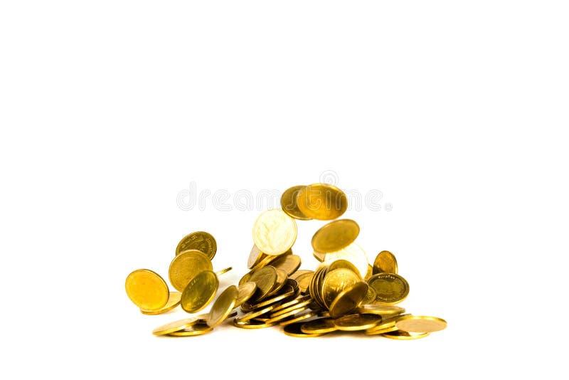 De beweging van dalend gouden muntstuk, vliegend muntstuk, regengeld isoleerde op witte achtergrond, zaken en financi?le rijkdom  stock afbeeldingen