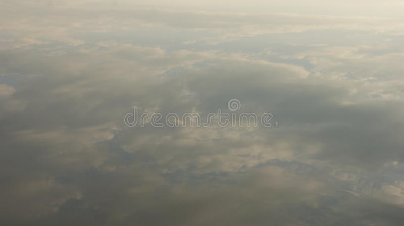 De bezinning in het water stock foto