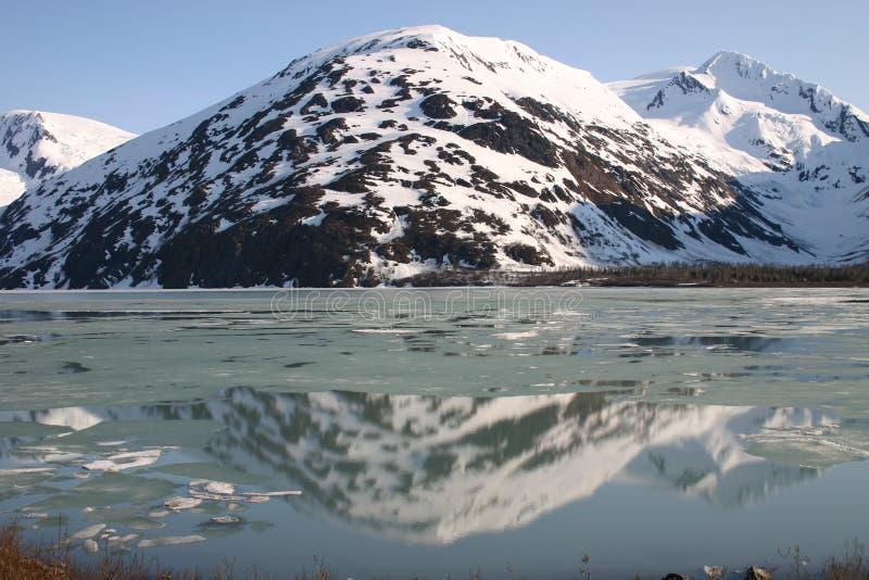 De Bezinning van de berg royalty-vrije stock fotografie
