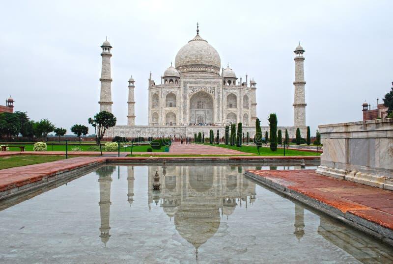 De Bezinning van Mahal van Taj stock afbeelding