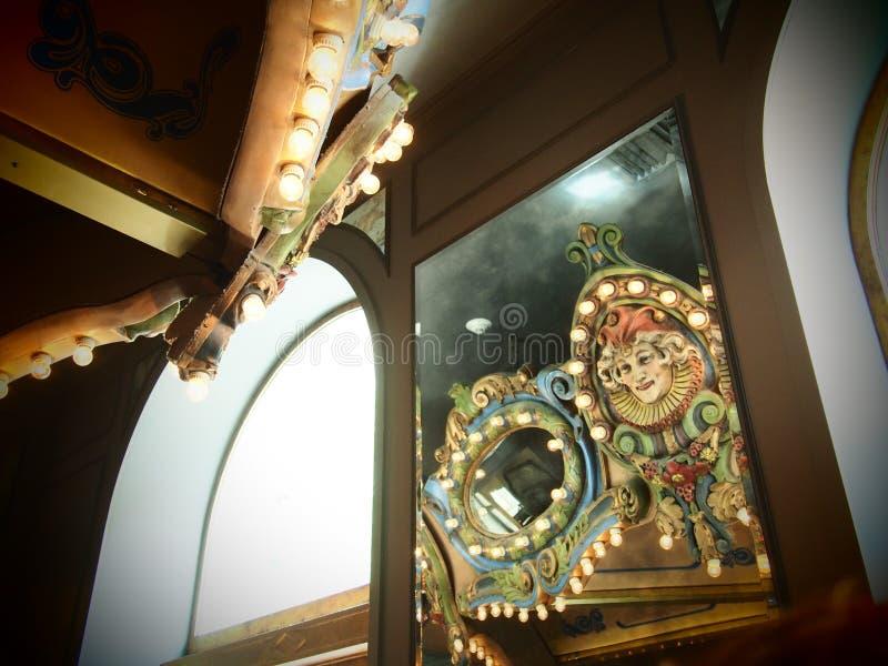 De Bezinningen van de carrouselbar in New Orleans stock foto's