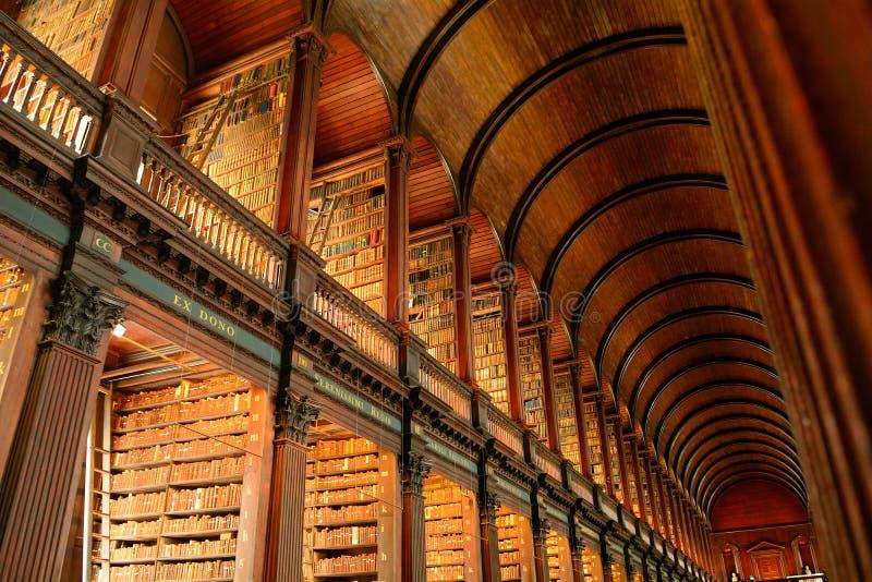 De Bibliotheek van de drievuldigheidsuniversiteit, Dublin, Ierland royalty-vrije stock foto
