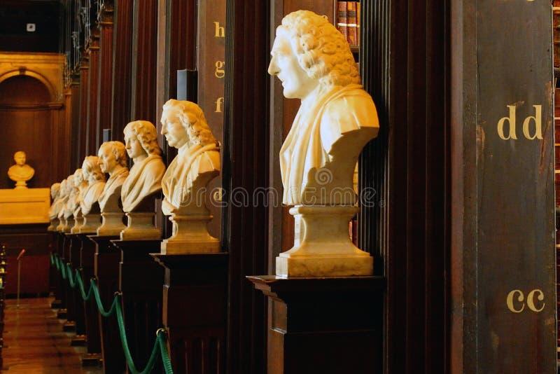 De Bibliotheek van de drievuldigheidsuniversiteit, Dublin, Ierland stock afbeeldingen