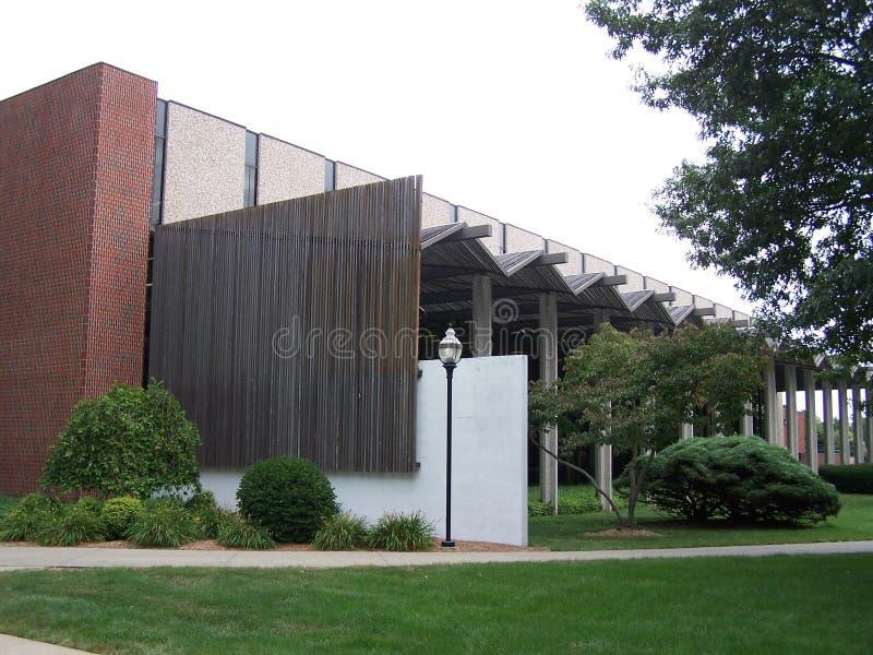De Bibliotheek van Dunn van de Universiteit van Simpson stock afbeeldingen