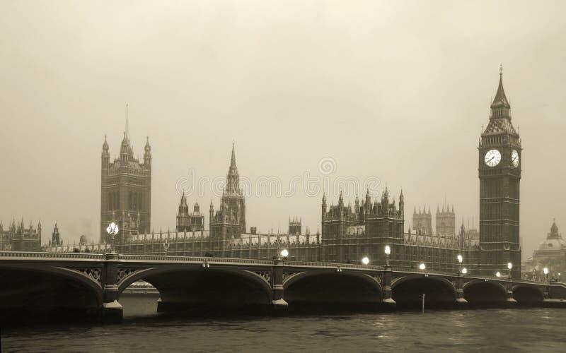 De Big Ben in blizzard royalty-vrije stock foto's