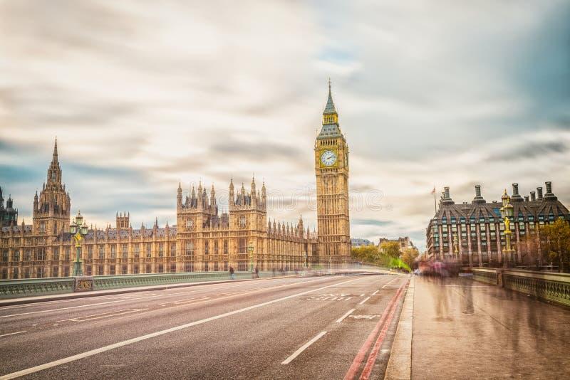 De Big Ben, lange blootstelling, Londen het UK stock afbeeldingen