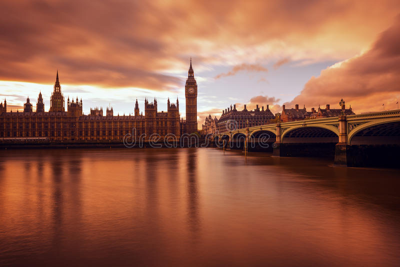 De Big Ben, lange blootstelling, zonsondergang, Londen het UK royalty-vrije stock foto