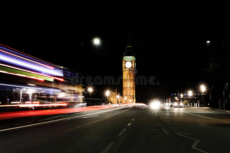 De Big Ben in Londen bij nacht stock foto