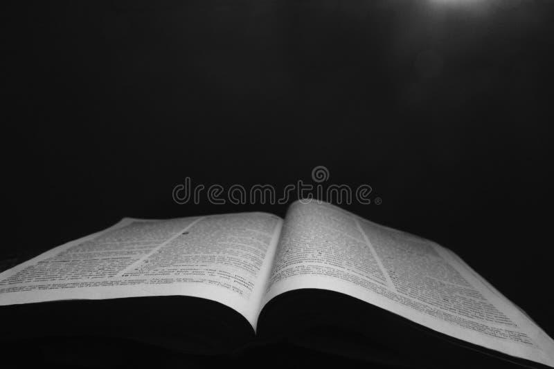 De bijbel, het boekleven stock foto's