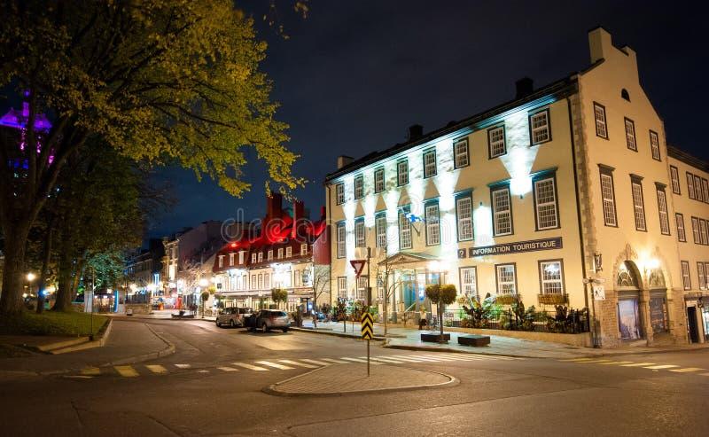 De binnen 's nachts Stad van Quebec stock afbeelding