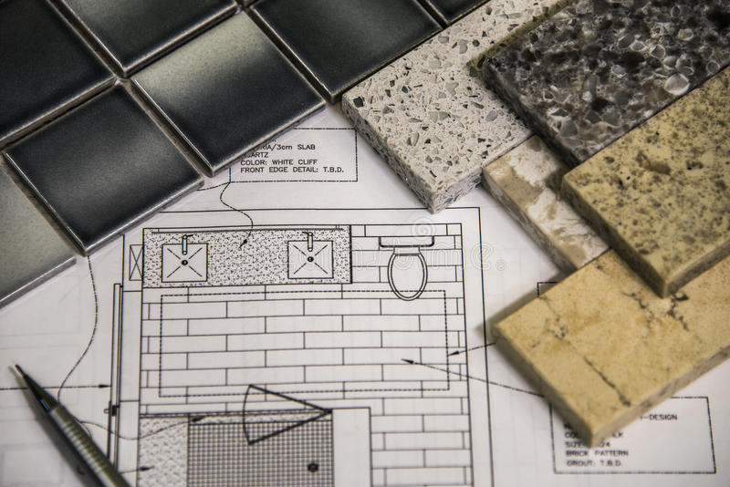 De binnenlandse badkamers remodelleert planning, ontwerp, vloer en tellers stock foto