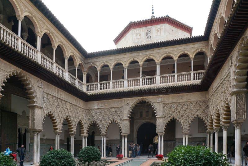 De Binnenplaats van de Meisjes, mooi intern open hof van A royalty-vrije stock afbeelding