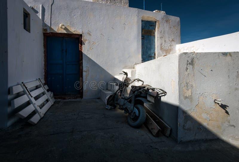 De binnenplaatsen van de stad van Thira in het Eiland Santorini Griekenland stock foto's