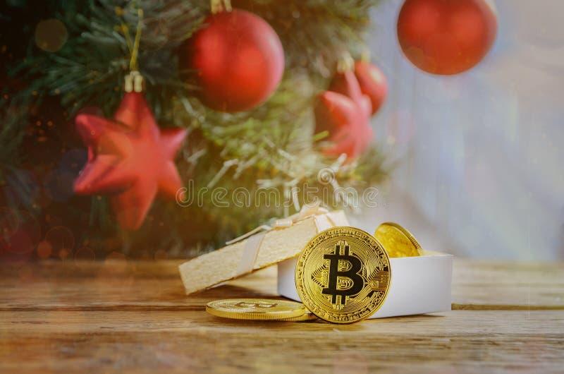 Or de Bitcoin Pièce de monnaie d'argent Noël ma version de vecteur d'arbre de portefeuille photo stock