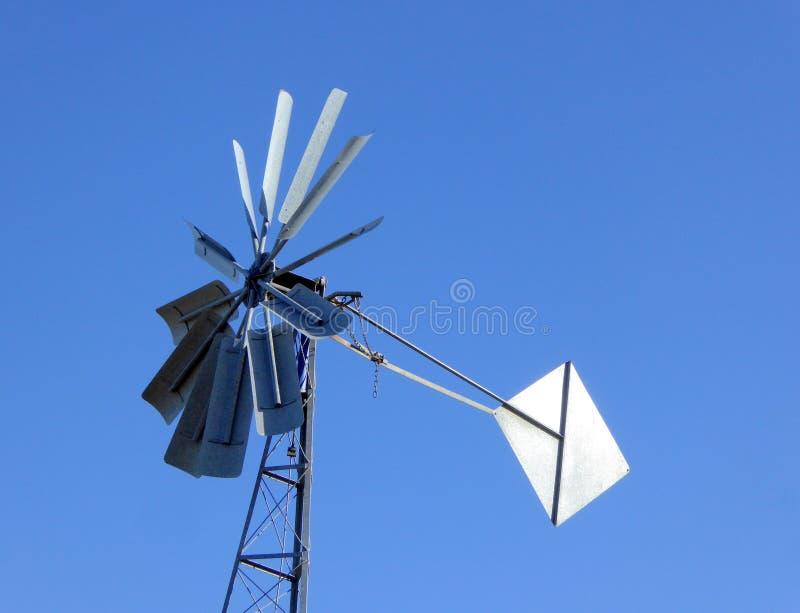 De bladen van de windturbine en vin stock afbeeldingen