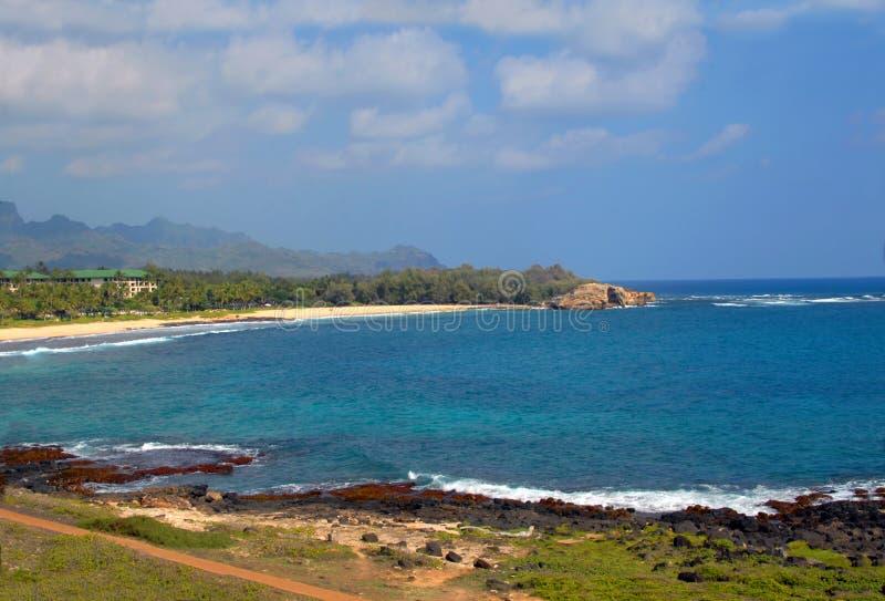 De blauwe Baai Keoneloa van Aqua royalty-vrije stock afbeeldingen
