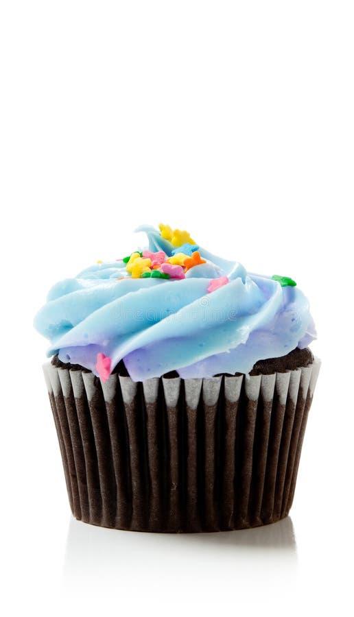 De blauwe chocolade van de Pastelkleur cupcake op wit stock foto's