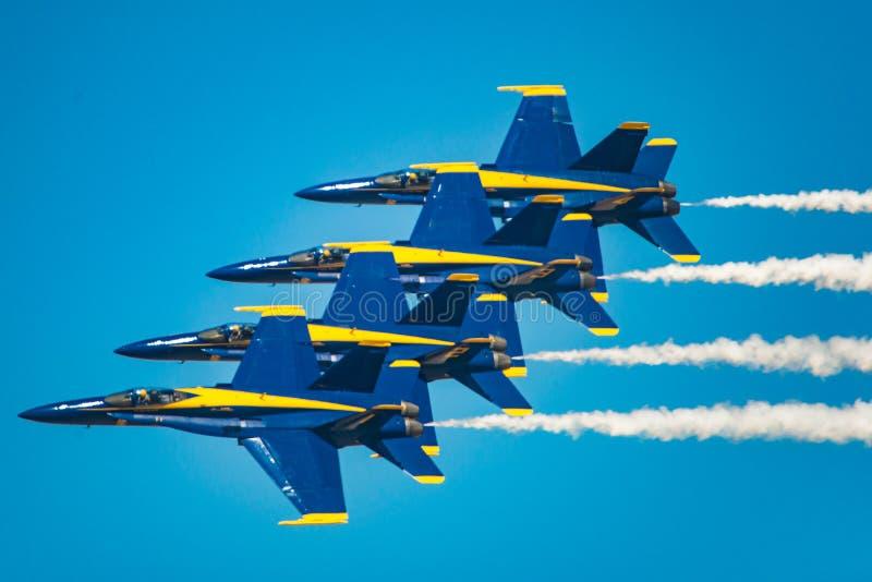 De blauwe Demonstratie van de Engelenvlucht stock fotografie