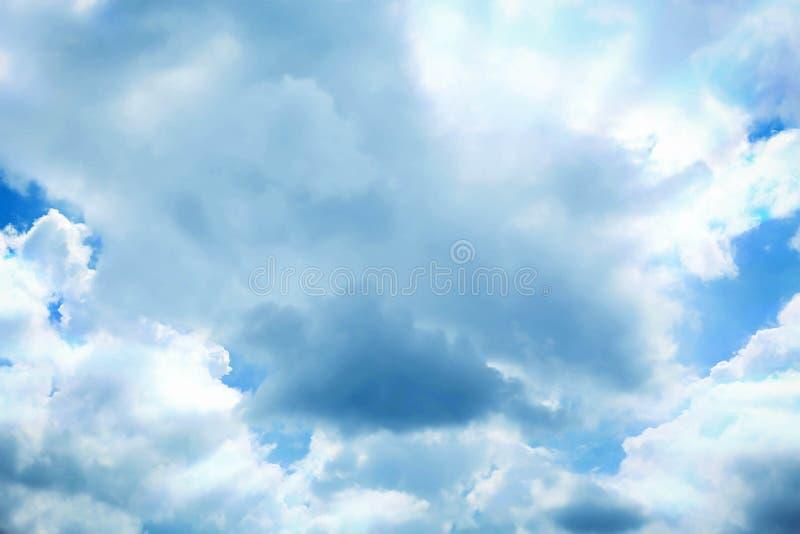 De blauwe hemel lichte gloed op zonneschijn royalty-vrije stock foto