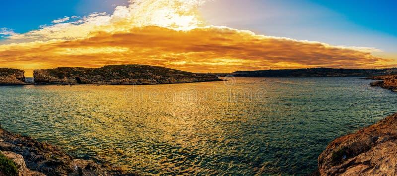 De blauwe lagune op Comino-eiland, Malta Gozo stock afbeelding