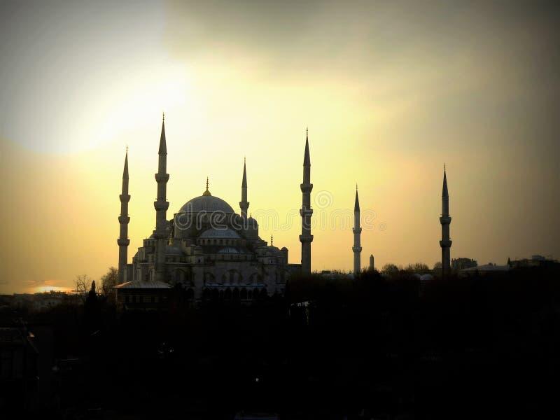 De Blauwe Moskee in Istanboel onder de zonsondergang royalty-vrije stock foto's