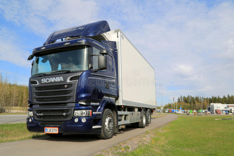 De blauwe Vrachtwagen van Scania R500 V8 stock afbeeldingen