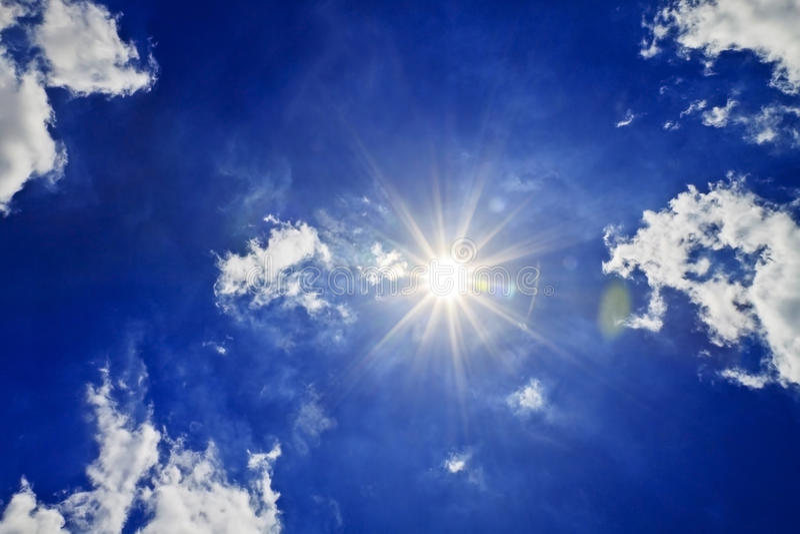 De blauwe Wolken van de Zon van de Hemel stock foto's
