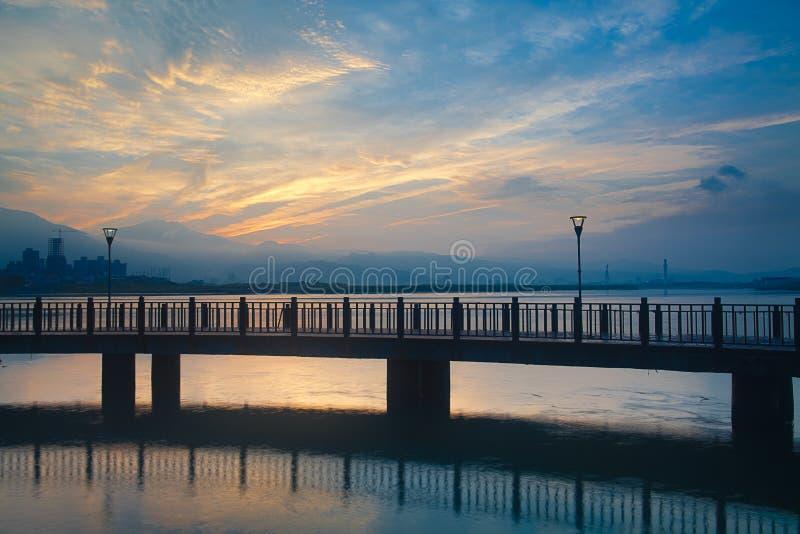 De blauwe Zonsondergang van Tamsui van de stijl, nieuw Taipeh, Taiwan stock foto's