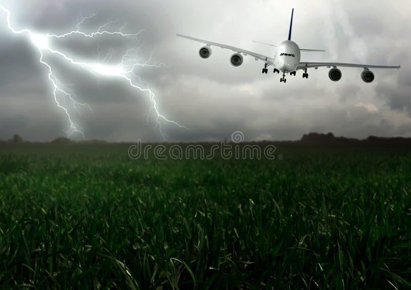 De bliksem overdwars en daalt vliegtuigen. royalty-vrije stock afbeeldingen