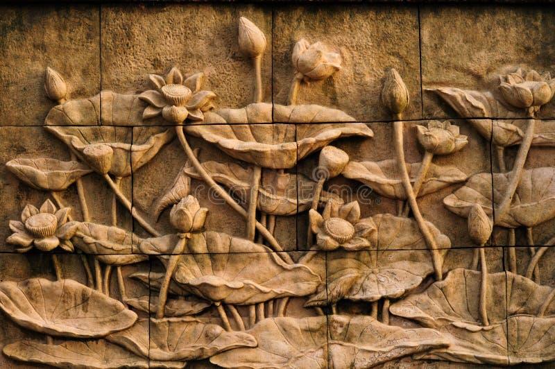 De bloem van Lotus: steen gravure stock afbeeldingen