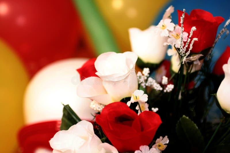 De bloemen van valentijnskaarten stock afbeeldingen