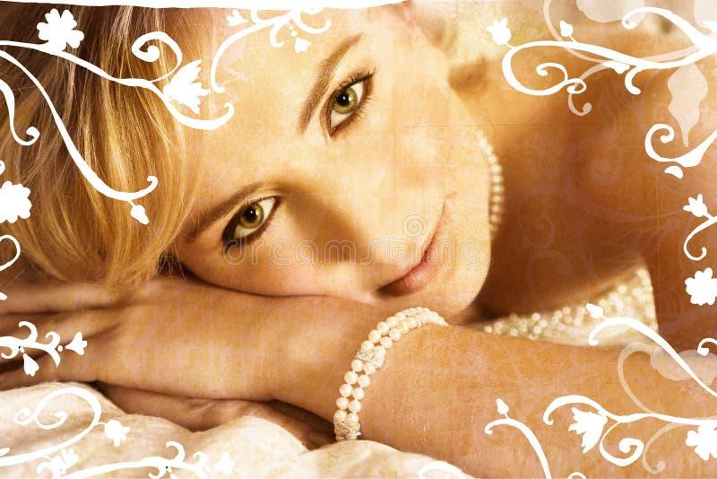 De blonde bruid van Grunge met wervelingen stock afbeeldingen