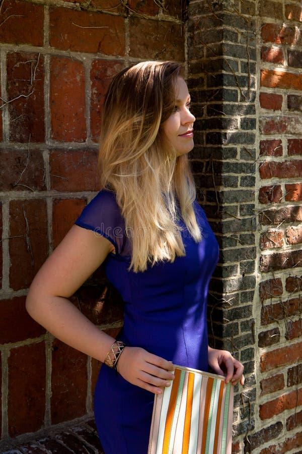De blonde straal van de vrouwenzon, Groot Begijnhof, Leuven, België royalty-vrije stock afbeeldingen