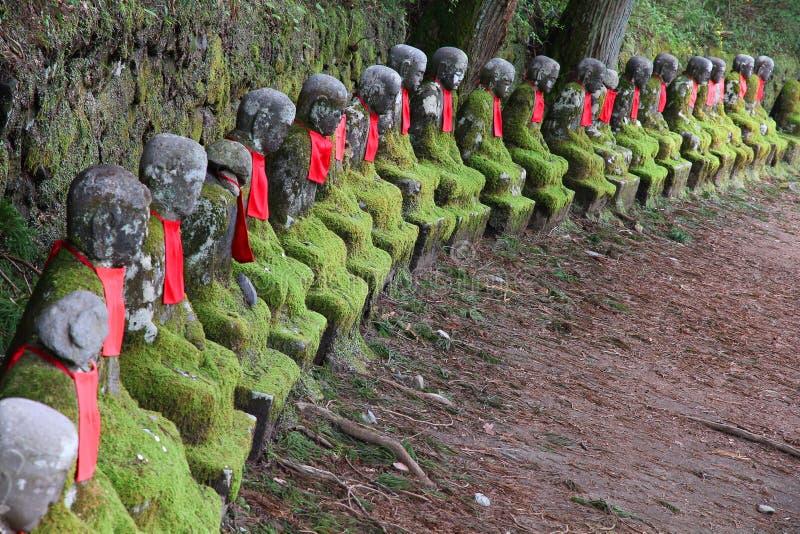 De Boeddhistische standbeelden van Japan stock fotografie