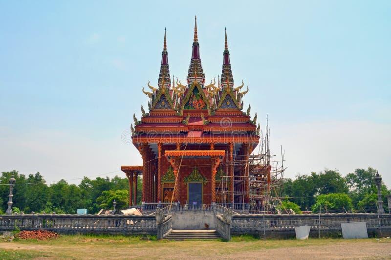 De boeddhistische tempel van Kambodja op wederopbouw in Lumbini, Nepal - geboorteplaats van Boedha stock foto