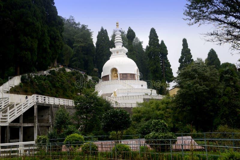 De Boeddhistische tempel van Nipponzanmyohoji en vredespagode royalty-vrije stock foto
