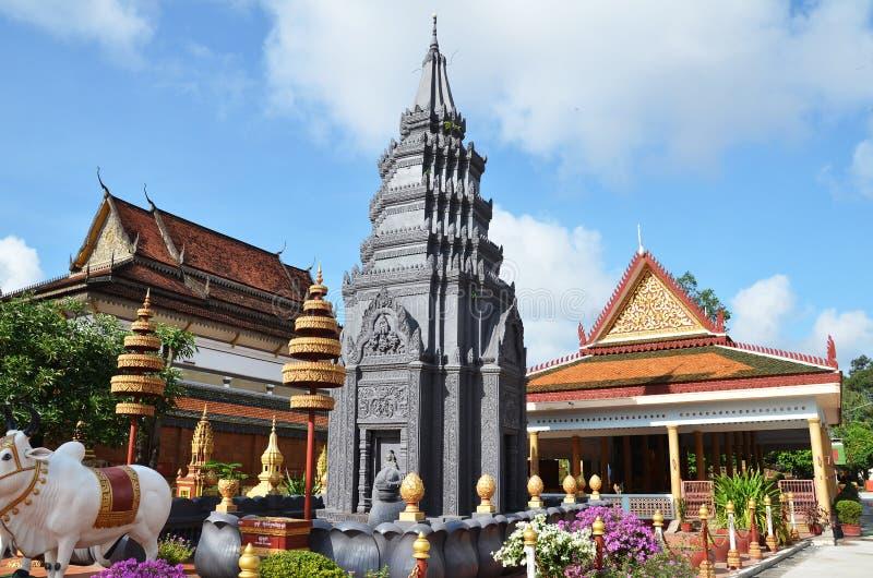De boeddhistische Tempel Wat Preah Prom Rath in Siem oogst, Kambodja royalty-vrije stock afbeeldingen